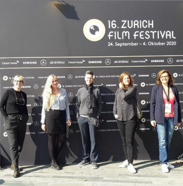 """""""Film Music Award Winners 2020"""" mit den Film- und Fernsehpreisträgerinnen für Musik Dascha Dauenhauer (Deutscher Filmpreis für BERLIN ALEXANDERPLATZ) WIFT Mitglied Tina Pepper (Deutscher Fernsehpreis für RAMPENSAU) und Olivia Pedroli (Schweizer Filmpreis für IMMER UND EWIG)! Moderiert wurde das Panel von WIFT Mitglied Hanna Sophie Lüke."""